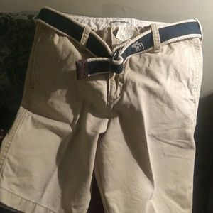 Abercrombie and Fitch Sz.16 Beige Shorts w\ Belt